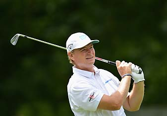 Ernie Els shot 69 at the BMW Championship in Munich on Sunday to hold off Thomas Bjorn and claim his 28th European Tour title.
