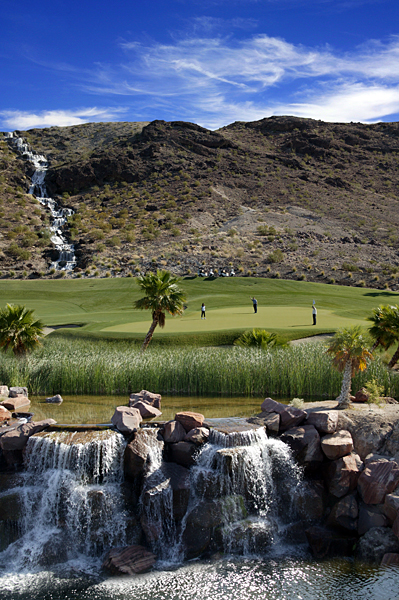 <p>                 <strong>No. 17</strong><br />                 Par 4<br />                 414 yards</p><p>