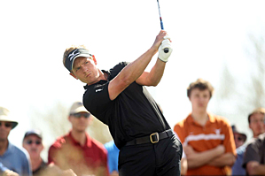 Luke Donald faces Ryan Moore in the quarterfinals.