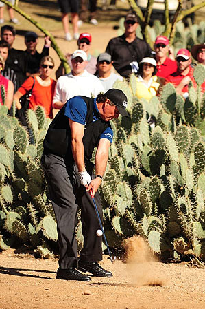 Pelz says Mickelson, 39, will win two majors in '09, but Phil, who has won three in his career, won't be so specific.