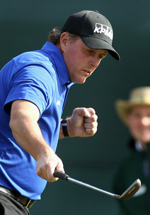 Phil Mickelson made seven birdies and one bogey on Saturday.