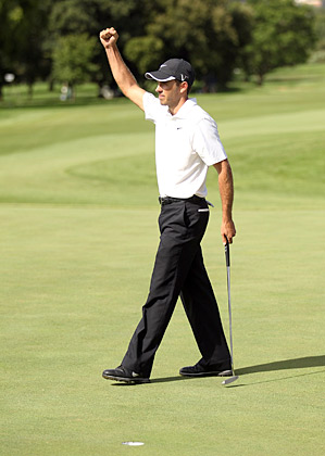 Charl Schwartzel shot a four-under 67 to win his second-straight Joburg Open title.