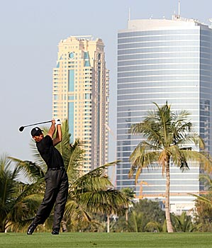 Tiger Woods did not make a bogey on Thursday amid the sunshine, palm trees and skyscrapers of Dubai.