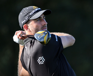Geoff Ogilvy three-putted his last two holes, but he still leads by one shot.