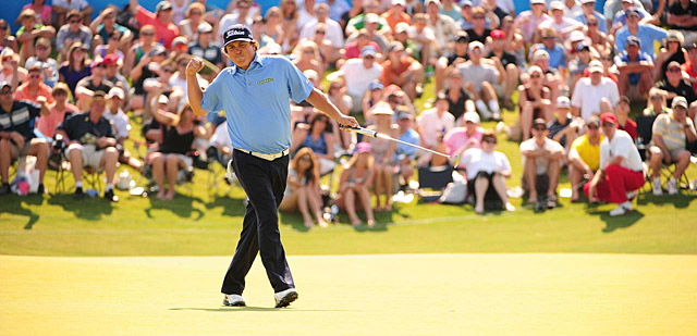Dufner showed a rare burst of emotion when he made a long birdie putt to win on 18.