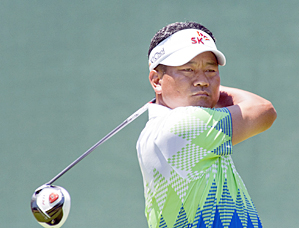 K.J. Choi made seven birdies and one bogey on Friday.