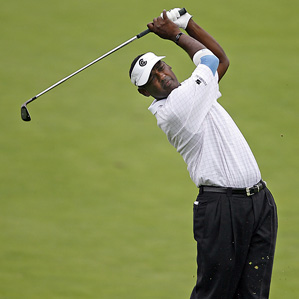 Vijay Singh made seven birdies and one bogey Friday.