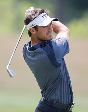 Trevor Immelman fired a 64 to take the first-round lead.