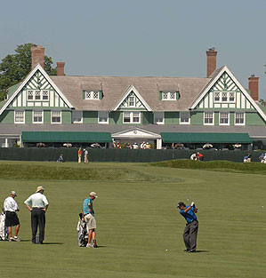 Mickelson on No. 9 at Oakmont.