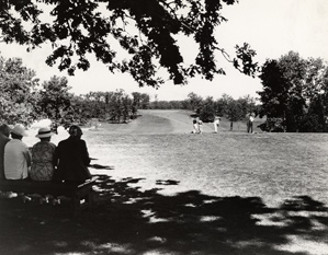 Spectators and golfers relaxed at Bethpage in '35, but during construction 1,800 workers had lived in a tent city on the grounds.