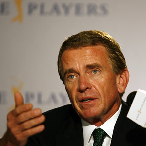 Tim Finchem says the penalty for signing an incorrect scorecard might be too harsh.