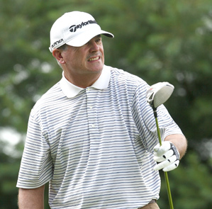 Paul Goydos made four straight birdies on the back nine to move into the lead.