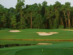 """The """"Mickey Mouse"""" bunker on Magnolia's 6th <span class=""""picturesource"""">Pete Fontaine/Sportimages</span>"""