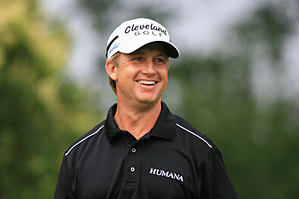 David Toms made eight birdies and no bogeys on Friday.