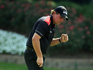 Phil Mickelson birdied 18 for a five-under 65.