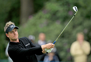Luke Donald made four birdies on the back nine to regain a share of the lead.