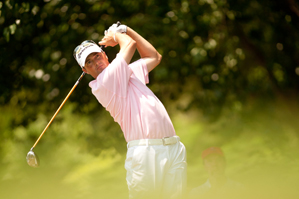 Ryan Palmer shot a 3-over 73, but he still has a one-shot lead.
