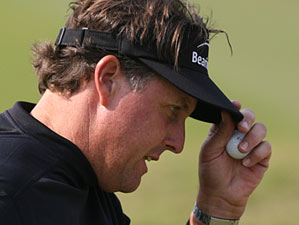 Phil Mickelson won despite shooting 40 on the back nine Sunday.