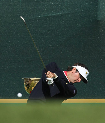 Bubba Watson and playing partner Webb Simpson have won both of their matches at Royal Melbourne.