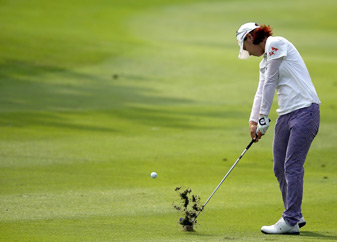 Na Yeon Choi made six birdies and two bogeys.