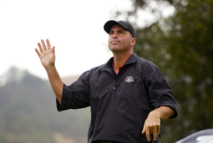 Rocco Mediate shot a 2-over 73, but he held on to win by one stroke.