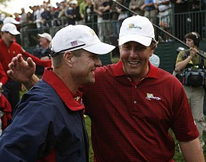 Phil Mickelson and Scott Verplank celebrated the U.S. team's win Sunday.