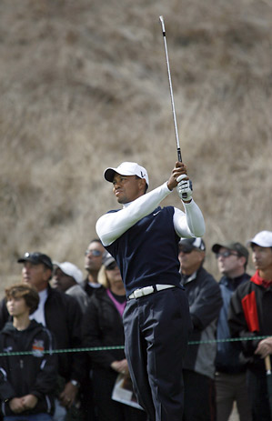 Tiger Woods struggled to a two-over 73 in the opening round.
