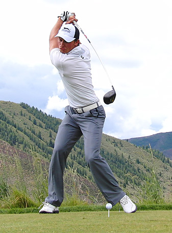 Former ReMax World Long Drive champion Jamie Sadlowski and his colleagues will compete on national television in 2013.