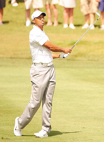 Tiger Woods shot a bogey-free 65 on Friday at Bay Hill.