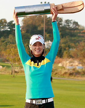 Na-Yeon Choi earned her second victory of the year and fourth in the last two seasons.
