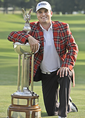 Zach Johnson's trusty short game helped put him in a plaid jacket on Sunday.