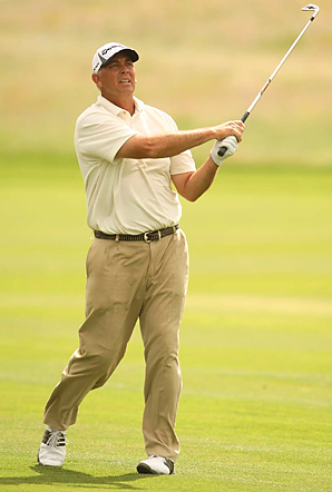 Tom Lehman fired a 71 through swirling winds to tie for the lead entering the final round of the Senior PGA.