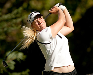 Brittany Lincicome said she wants to prepare for the LPGA season by playing in a Hooters Tour event.