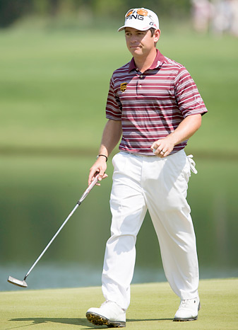 Louis Oosthuizen shot a second 66 to grab a two-shot lead.