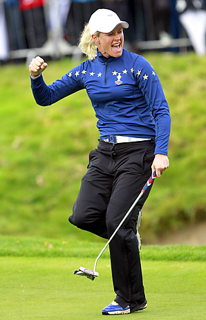 Pettersen's birdie                 at 18 capped a                 sizzling singles                 victory and                 sparked the                 Europeans to a                 15-13 win.