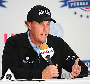 He may not like to discuss it, but Phil Mickelson could overtake Tiger Woods this week for the top spot in the Official World Rankings.