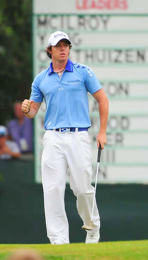 Rory McIlroy shot a 69 to finish a record 16 under par and win by eight shots.