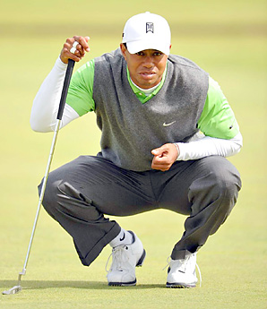 Tiger Woods struggled to a tie for 23rd place at St. Andrews.