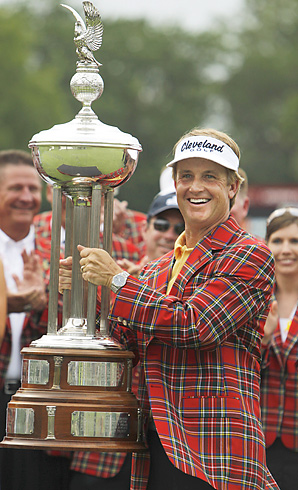 David Toms rallied to win the Colonial for his 13th career PGA Tour title.
