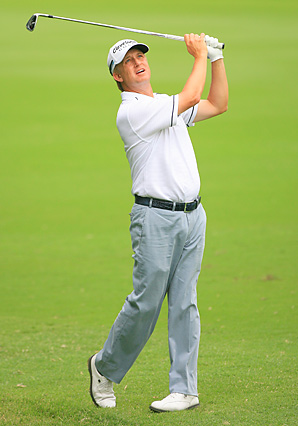 David Toms shot a bogey-free 62 in the opening round at the Colonial.