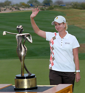 Karrie Webb shot a 66 on Sunday to beat Brittany Lincicome and Paula Creamer by a stroke.
