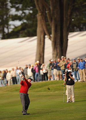 Phil Mickelson's shotmaking skill was on display during Thursday's match.