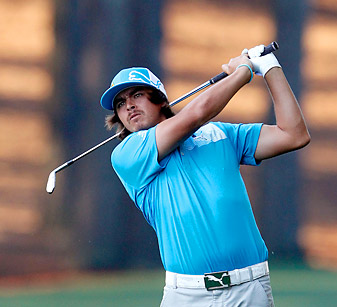 Rickie Fowler fired a six-under 66 in the first round at Quail Hollow.