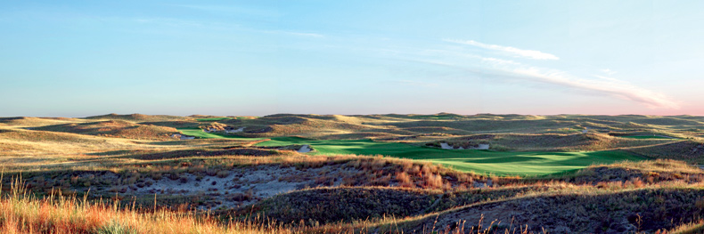 The opening hole at Sand Hills, a 550-yard par-5.