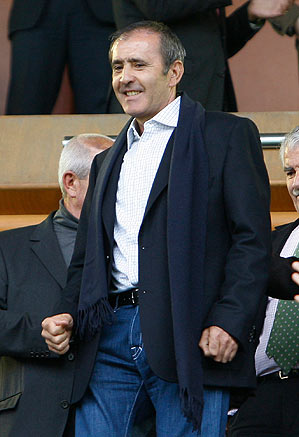 Ballesteros made an appearance before a Spanish La Liga soccer match.