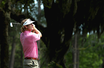 Brandt Snedeker shots rounds of 73-71 to make the cut on the number.