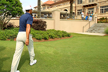 After a front-nine 42, Woods withdrew from the 2011 Players Championship.