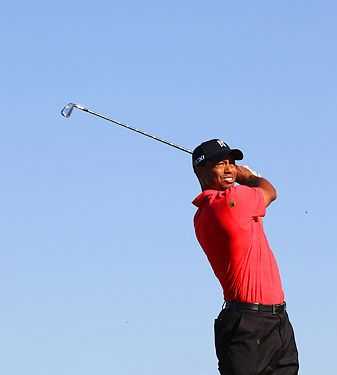 Van Sickle believes Tiger Woods should be considered the favorite to win the 2012 Masters.