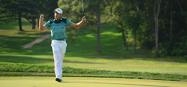 Nick Watney won the Barclays on Sunday and took the lead in the PGA Tour playoffs.
