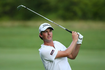 Webb Simpson shot a 66 Friday to grab a one-shot lead.